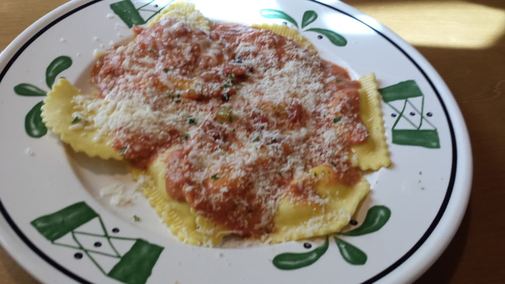 Ravioli With Five Cheese Marinara Mezzaluna Ravioli With Five Cheese