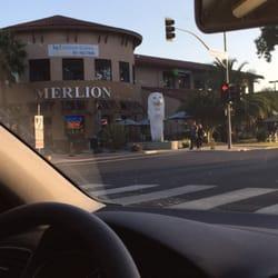 Merlion Restaurant & Bar - Cupertino, CA, États-Unis. Wow A Merlion