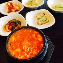 Garden Korean Cuisine - Seafood tofu stew and sides - Federal Way, WA, Vereinigte Staaten