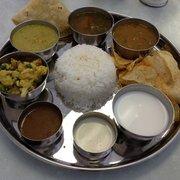 Komala Vilas - Sunnyvale, CA, États-Unis. The new Thali-style weekday lunch.