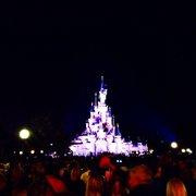 El castillo de noche.