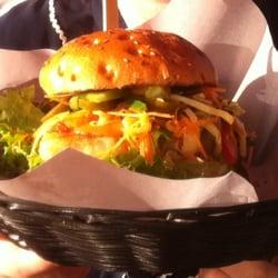 Der Veggie Burger im Biergarten - von…