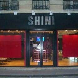 Shini, Paris