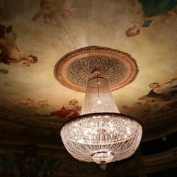 Théâtre du Gymnase - Marseille, France. Plafond central et lustre