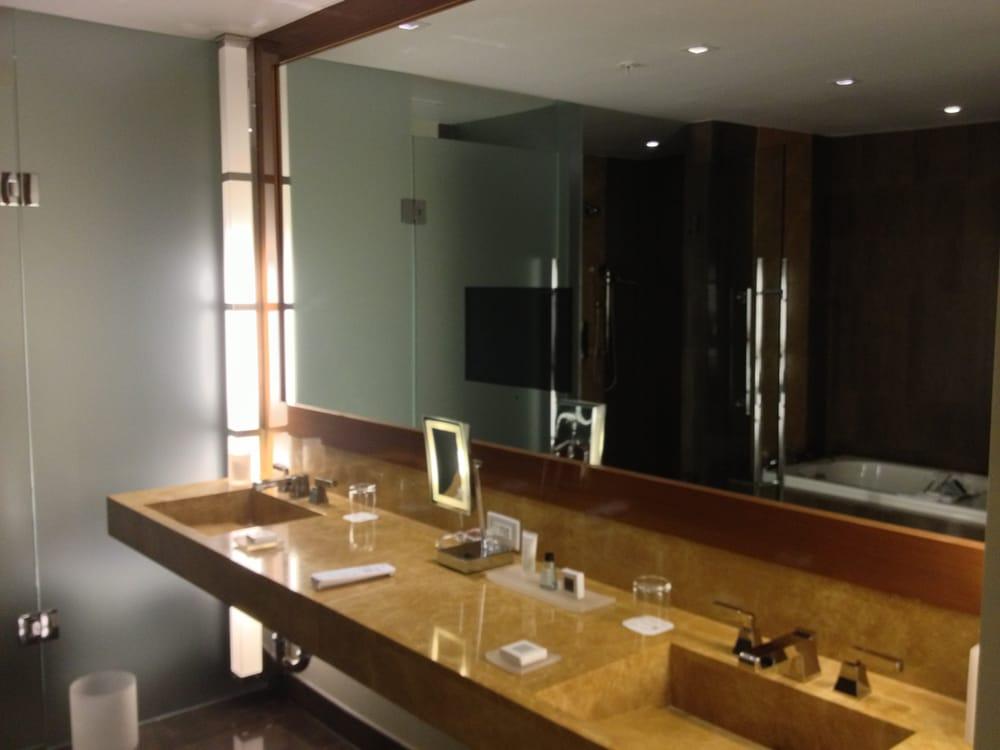 Suite Bathroom Showing Tv Embedded In Mirror Yelp