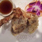 Fume Asian Grill & Sushi - Stroudsburg, PA, États-Unis. Tempura soft shell crab