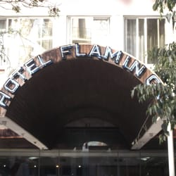 Fachada do Hotel Flamingo