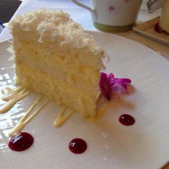 Coconut Cake Halekulani