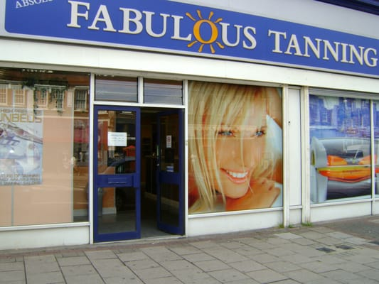 Absolutely fabulous tanning salons tanning harlow for Absolutely fabulous salon