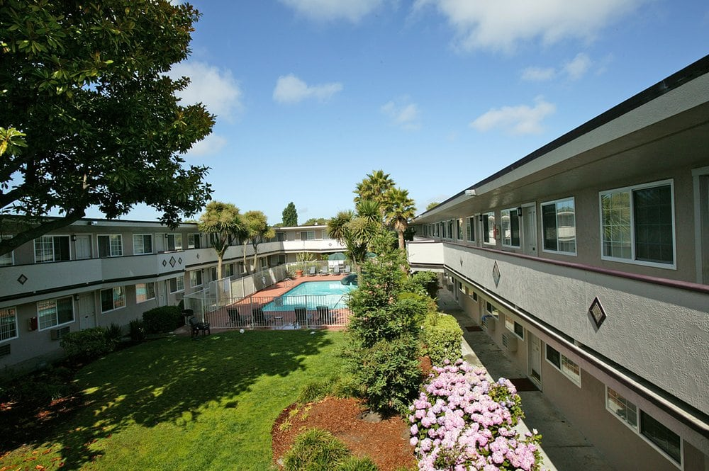 Hayward (CA) United States  city images : ... & Apartments Hayward, CA, United States Reviews Photos Yelp