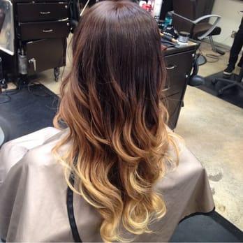 Freelance salon 98 photos hairdressers hillcrest for 2 blond salon reviews