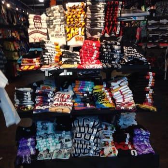 Clothing stores like zumiez