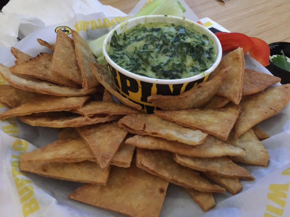Spinach Artichoke Dip With Chips Spinach And Artichoke Dip With