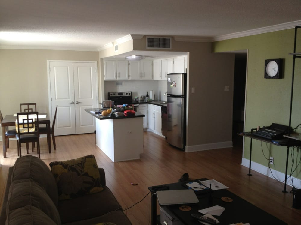 Houston house apartments 48 photos apartments for Apartment reviews