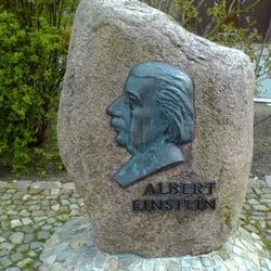 Das Albert Einsteindenkmal in Caputh