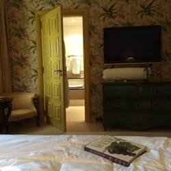 Hostellerie de Plaisance - Saint Emilion, Gironde, France. Beautiful rooms
