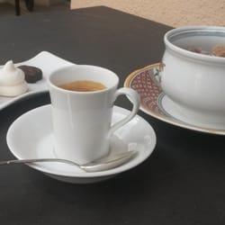 Petit café en terrasse