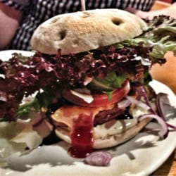 Double Cheeseburger Italian Burger mit…