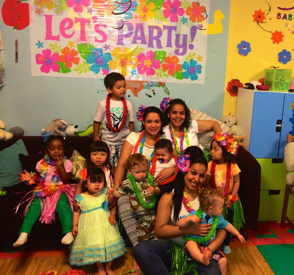 Babysitting Day Care Child Care: Child Care & Day Care