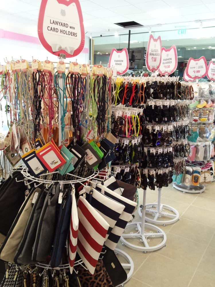 N Cat Windward Mall opened in Windward Mall