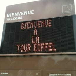 Welcome sign to the Eiffel Tower!