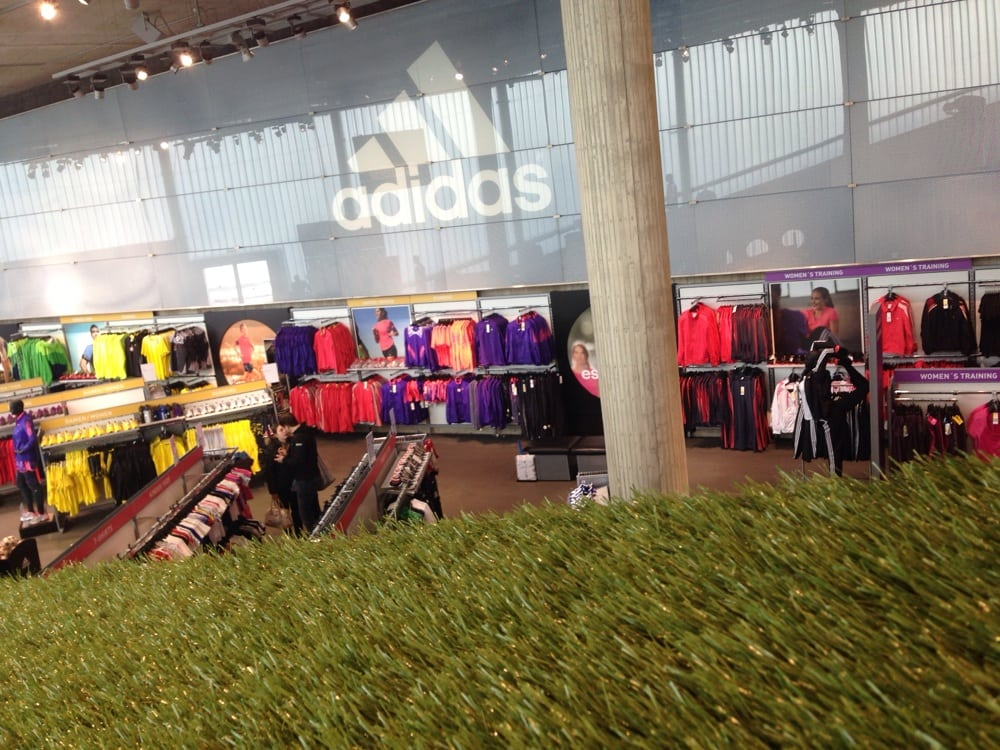 adidas factory outlet 15 photos shoe stores. Black Bedroom Furniture Sets. Home Design Ideas