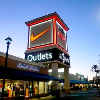 Outlets at Lake Elsinore is located in Lake Elsinore, California and offers 51 stores - Scroll down for Outlets at Lake Elsinore outlet shopping information: store 3/5(2).