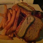 Union Jack's - Reuben w/fries. - Arlington, VA, Vereinigte Staaten