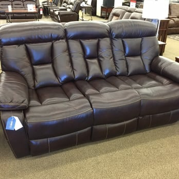 Value City Furniture 18 Photos 14 Reviews Furniture Stores 6116 Grand Ave Gurnee Mills