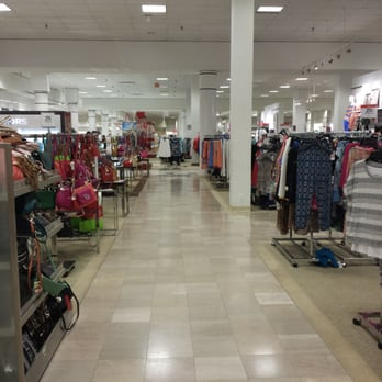woodbridge center mall holiday hours 3