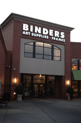Binders used to carry a large selection of art supplies including companies that are less familiar or harder to obtain which is why I came here. Gone were their selection of Sakura Bruynzeel colored pencils, Cobic markers, and the Holbein gouache paints.