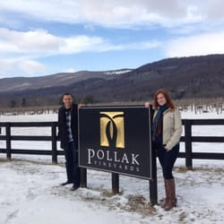 Norm's Taxi Service - Even during the winter months, a wine tour is sure to put a smile on your face!! - Charlottesville, VA, Vereinigte Staaten