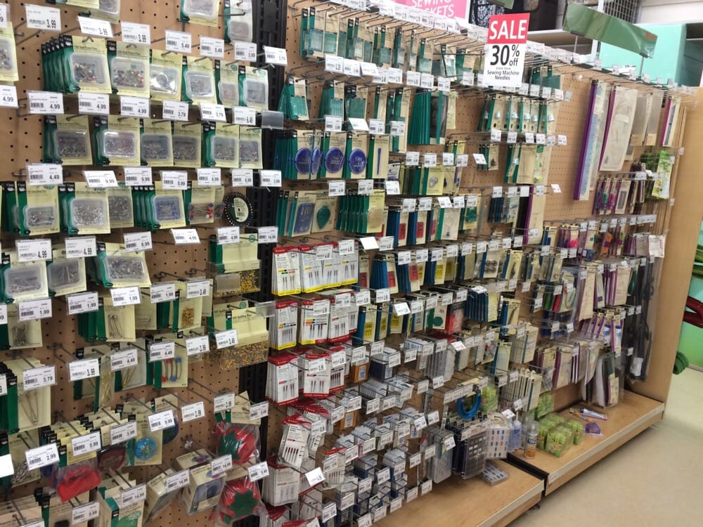 Hancock fabrics fabric stores 349 s mountain ave for Fabric outlet near me