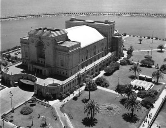 The old long beach municiple theater where the terrace for Terrace theatre long beach