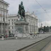 Schwarzenbergplatz, Wien