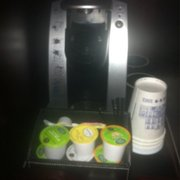 The Inn at The Union League - Philadelphie, PA, États-Unis. A Keurig in the room.