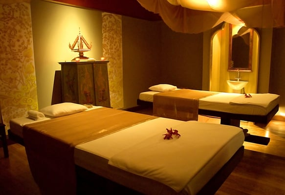 the massage spa is open 7 days a week between 8am and 10pm services can be booked on arrival by phone or by email
