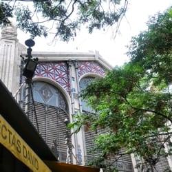 Fachada del Mercado Central. Preciosa.
