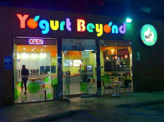 Yogurt beyond mid wilshire los angeles ca united for Bar food 12217 wilshire blvd los angeles ca 90025