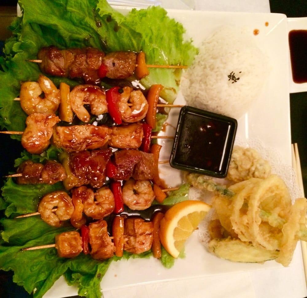 Blue fish sushi bar asian cuisine 85 photos sushi for Blue fish sushi menu