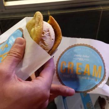 Cream white chocolate macadamia nut cookie with salted for White chocolate macadamia nut ice cream