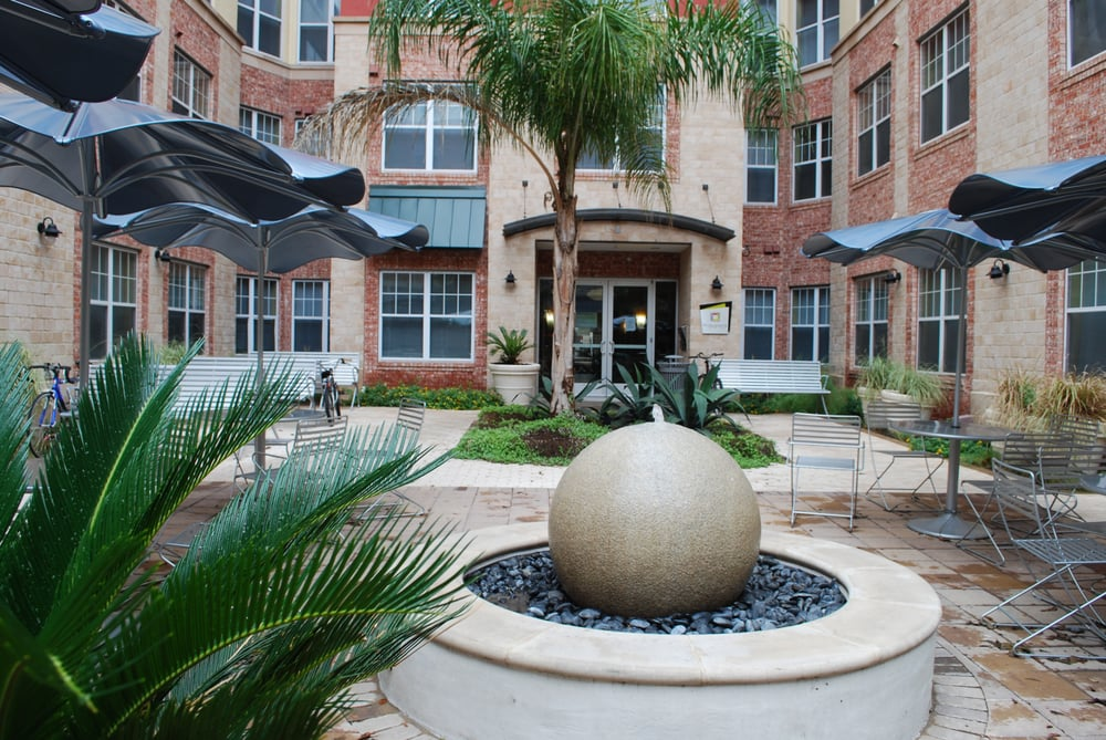 The Quarters On Campus Apartments University Of Texas Austin TX Revi