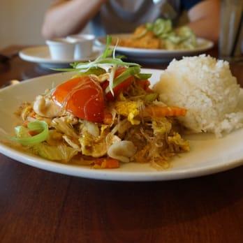 Urban thai restaurant 136 photos thai restaurants for Arlington thai cuisine