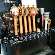 The Collective on Tap - Woodinville, WA, États-Unis. 24 new taps added in the 4 Month Anniversary!