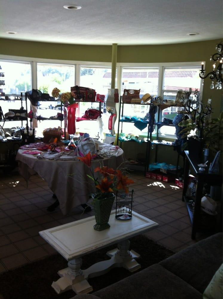 Tiger lily day spa 24 photos spa escondido - Tiger lily hair salon ...
