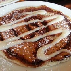 Bintliff's American Cafe - Cinnamon Roll pancake. - Portland, ME, Vereinigte Staaten