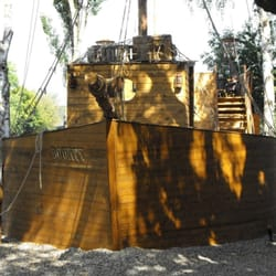 Das 22 Meter lange Piratenschiff…