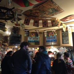 Ty Anna Tavern - Rennes, France. Endroit vraiment sympa!