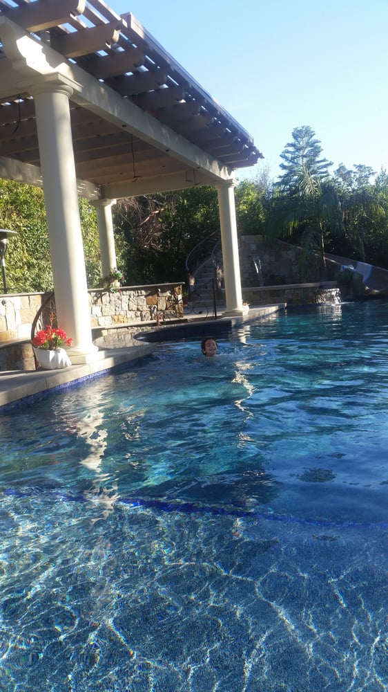 Garden view landscape pools landscaping monrovia ca for Garden pool reviews