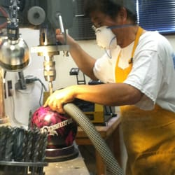 R & J Bowling Equipments - getting my first bowling ball drilled! - Daly City, CA, Vereinigte Staaten